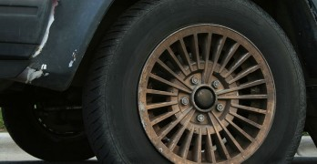 The Airlines Flat Tire Rule or 2 Hour Rule may safe you money